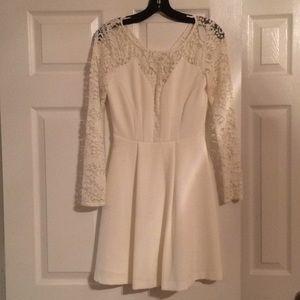 White lace long sleeve nylon/polyester dress
